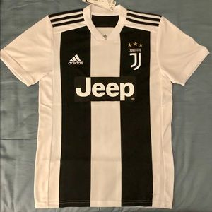 Juventus home soccer jersey. Adult Size: Small